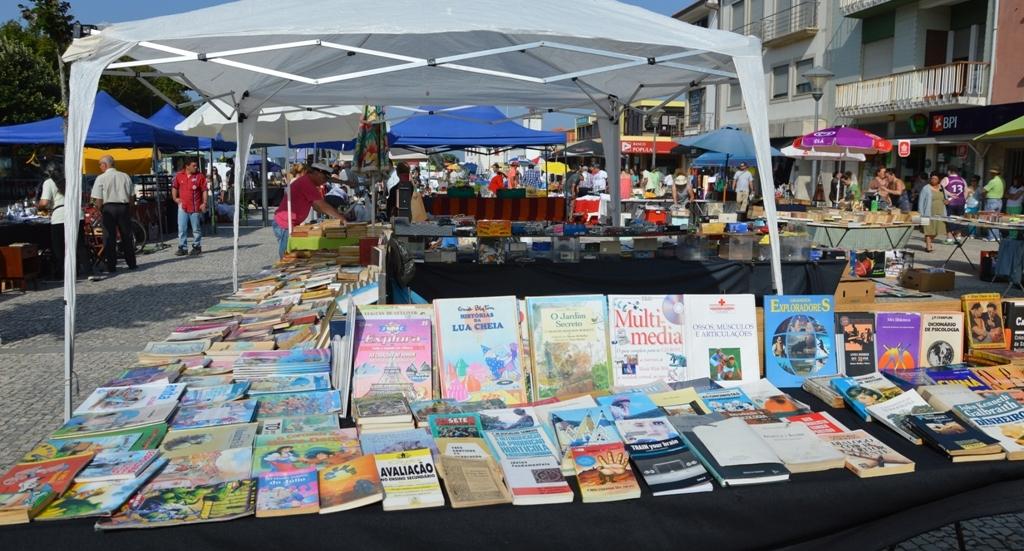 Feira de Velharias de abril destaca livros